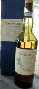 Eine Flasche Talisker 25 aus dem Jahr 2005