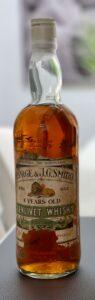 Eine Flasche Glenlivet 08-year-old von Gordon MacPhail aus den 1970ern.