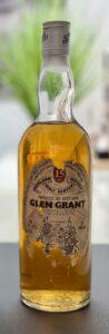 Eine Flasche Glen Grant 15-year-old von Gordon MacPhail aus den 1970ern.